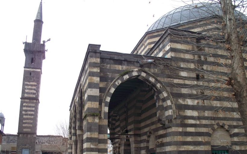 Şeyh Mattar ( Şeyh Mutahhar) Camii diyarbakır